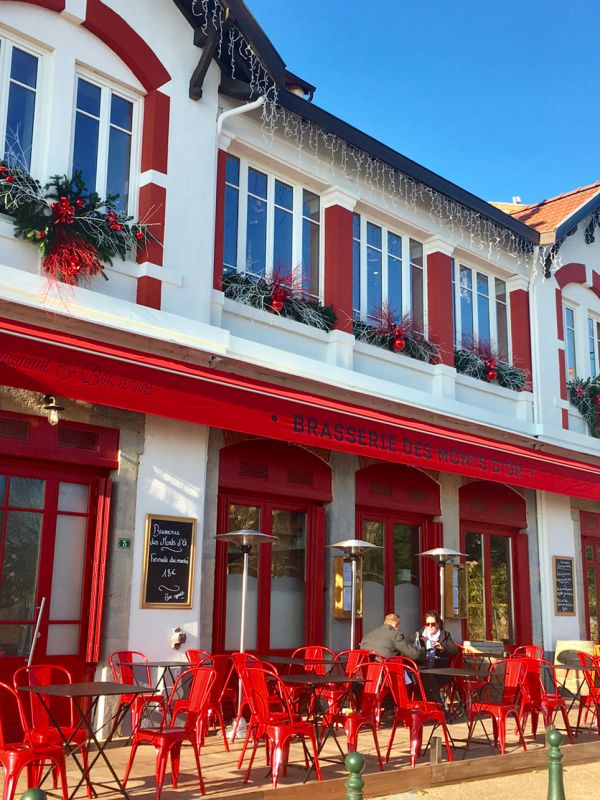 Brasserie-des-monts-d'or-Terrasse